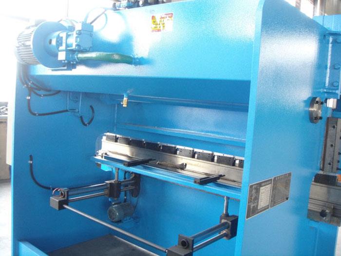 wc67y-63t2500液压板料折弯机图片